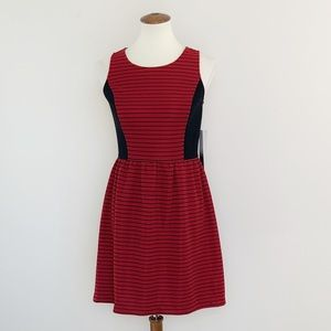 Sleeveless Fit and Flare Striped Dress size xsmall
